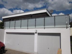 Kit panneaux et pinces à verre pour rénovation d'un garde-corps