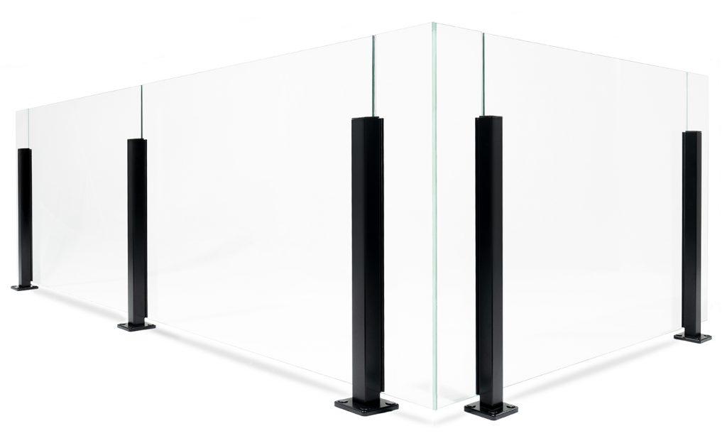 Garde-corps en verre avec poteaux en aluminium au design élégant