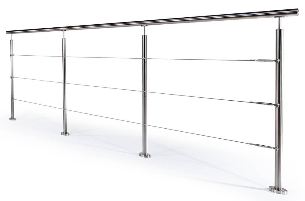 Garde-corps à câbles avec poteaux en acier inoxydable