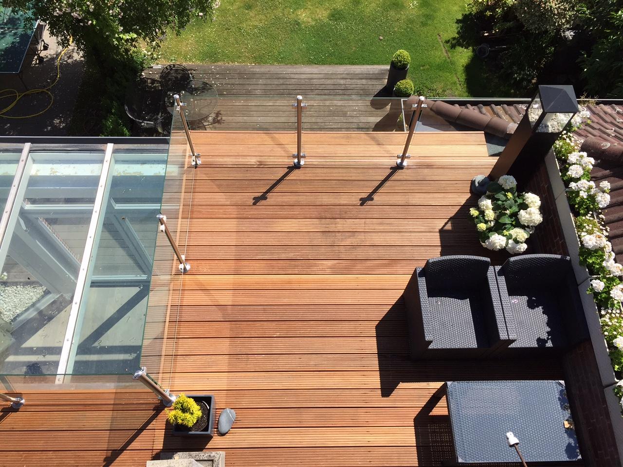 garde corps terrasse en verre sur mesure maisondugarde. Black Bedroom Furniture Sets. Home Design Ideas